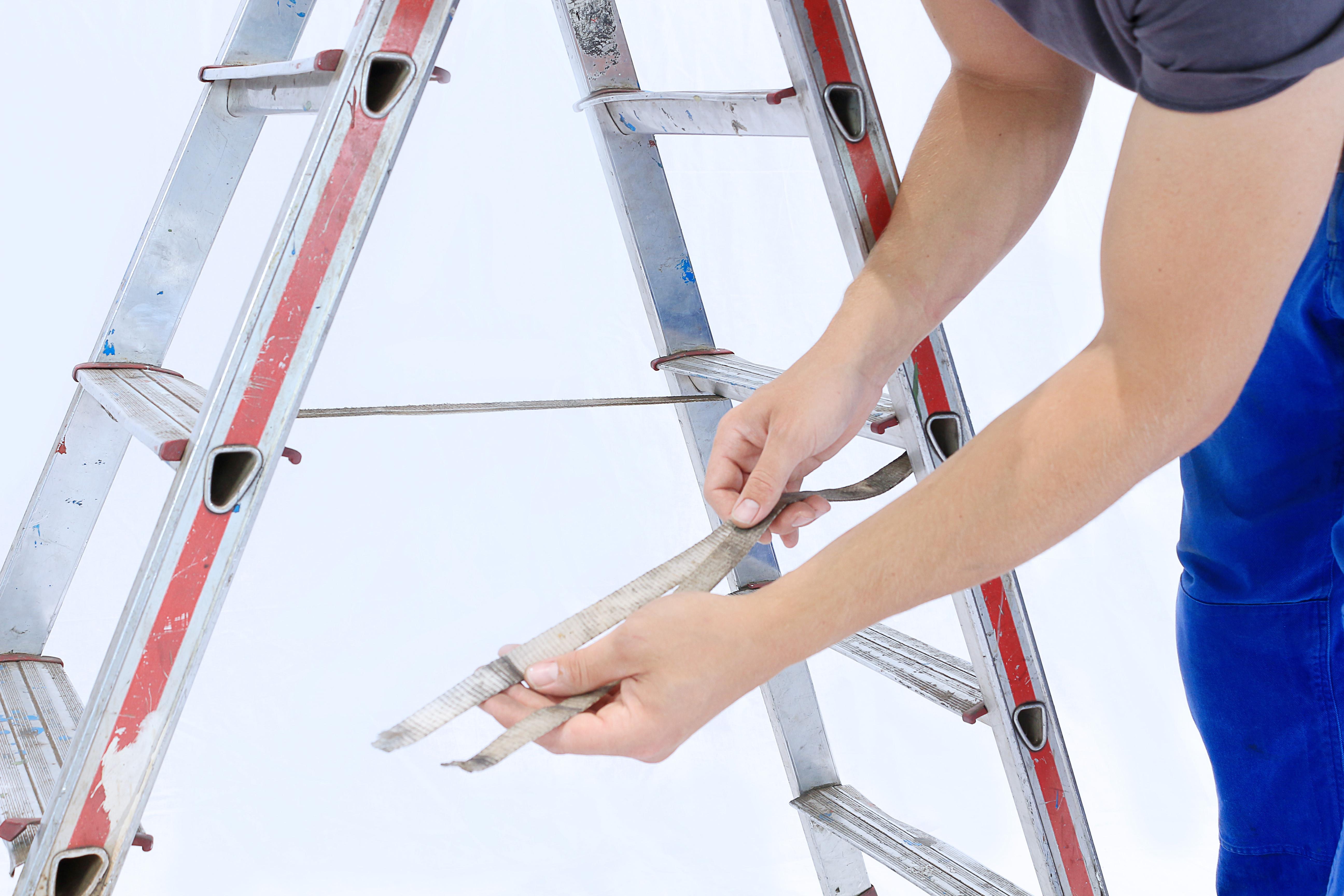 Prüfung Leitern und Tritte