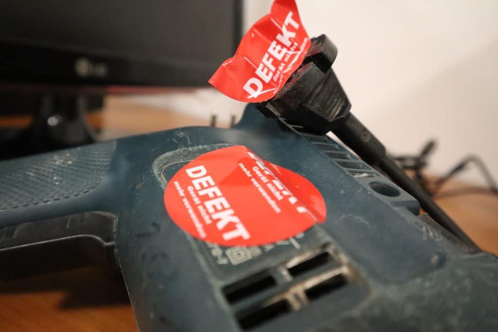 defektes Gerät DGUV V3 Aufkleber