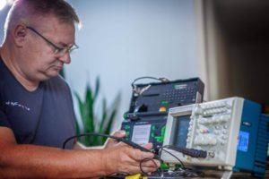 Überprüfung elektronischer Geräte günstig