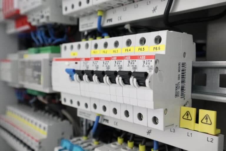 ofA von elektrischen Geräten und Anlagen