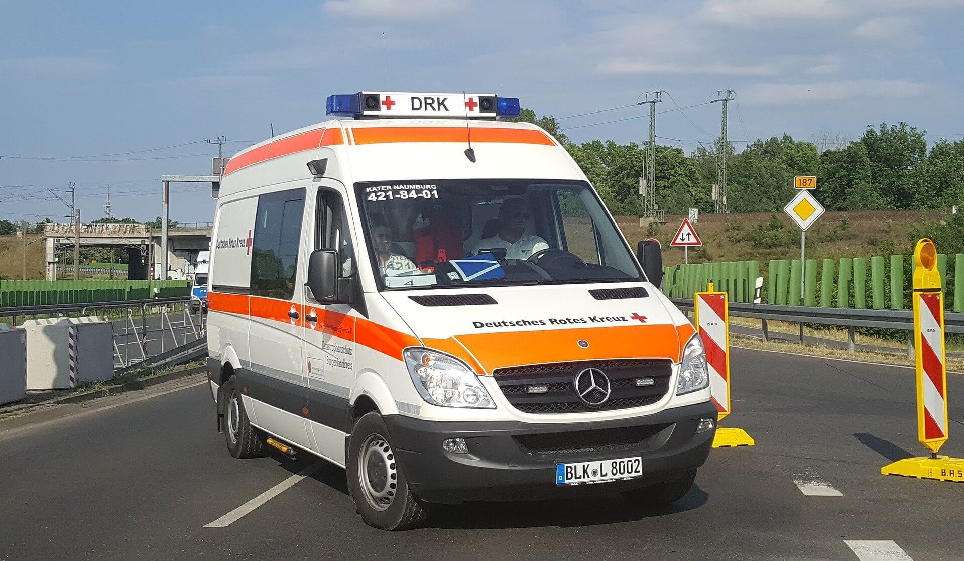 Tore am Rettungswagen