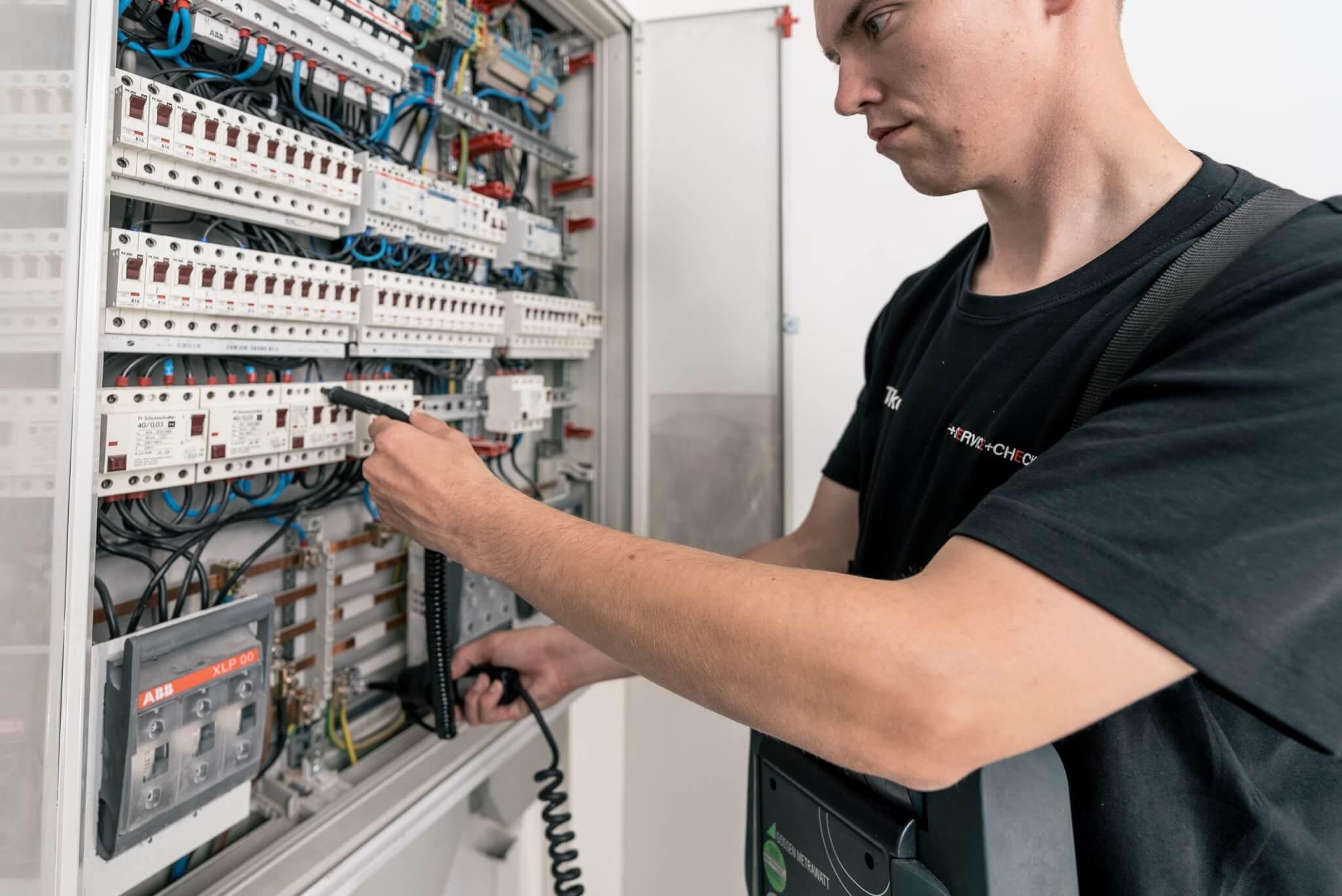 Anlagenprüfung nach DIN VDE 0105-100
