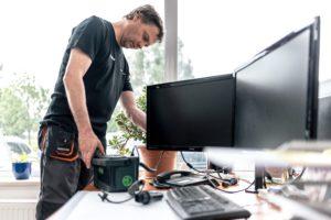 Überprüfung elektrischer Geräte für Facility Manager