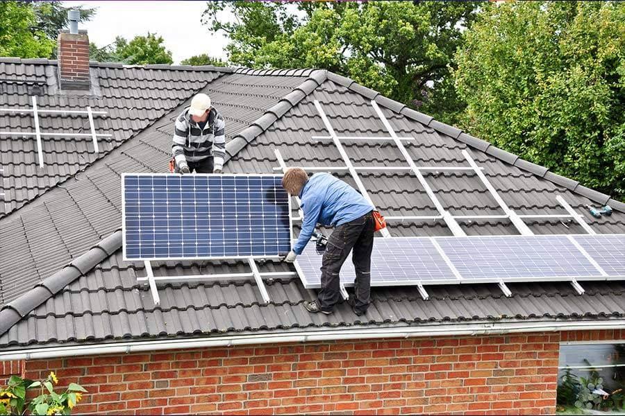 Die Prüfung Photovoltaikanlagen von Ihrem Fachmann für elektrische Sicherheitsprüfungen E+Service+Check